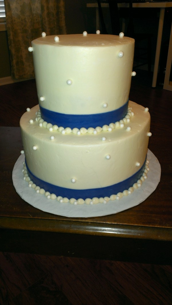 Cake with Pearls and Fondant border